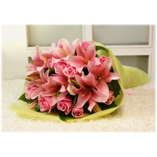 Pink Roses and  Lilies Wrap bouquet